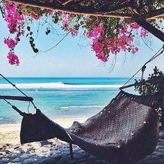 Paradise  Quem topa um teletransporte para essa rede nas ilhas Maldivas?  #apaixonadasafghan #afghanrio