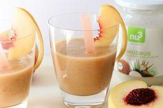 Gesund & Lecker: Kokos-Pfirsich-Smoothie - http://natuerlicher-lebensstil.de/kokos-pfirsich-smoothie/ - Pfirsich - Smoothie - Kokosnuss - grüner Tee