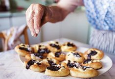 [ Senior Woman Baking Pies In Her Home Kitchen. Sprinkling Freshly Baked Buns With Powdered Sugar. Baking Apron, Filling Food, No Bake Pies, Pie Plate, Freshly Baked, Powdered Sugar, Delicious Desserts, Tart, Homemade