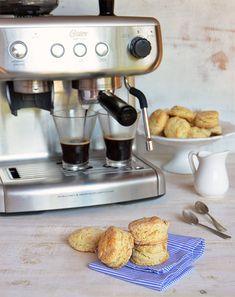 Scones sin huevo Profiteroles, Espresso Machine, Biscuits, Coffee Maker, Kitchen Appliances, Gluten, Easy Recipes, Deserts, Appetizers For Party