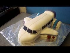 ▶ How To Make an Aeroplane Cake - YouTube