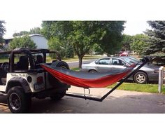 Happy Camping with Jeep, Must Try! Auto Jeep, Jeep Jk, Jeep Gear, Jeep Truck, Jeep Wrangler Accessories, Jeep Accessories, Jeep Camping, Jeep Wrangler Camping, Hammocks