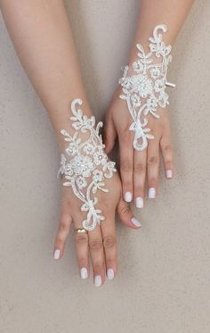 WEDDINGGloves ® // İvory Wedding Glove, ivory lace gloves, Fingerless Glove, embroidered with pearls bridal gloves, french lace gloves