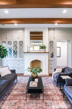 Heart of Texas Builders Association 2018 Parade of Homes Waco, Texas featuring Chip and Joanna Gaines Magnolia Homes Design, Construction, and Realty. living room 2018 Parade of Homes Waco Texas My Living Room, Home And Living, Living Room Decor, Modern Living, Texas Living Rooms, Small Living, Magnolia Homes, Magnolia Design, Parade Of Homes