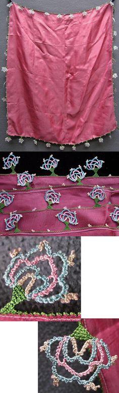 Silk 'oyalı yazma' (head scarf with edging in Turkish lace). Western Anatolia, 1925-1950. (Inv.nr. yaz062 - Kavak Costume Collection - Antwerpen/Belgium).