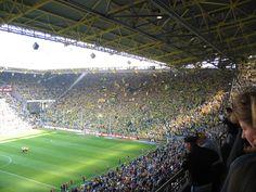 Stadium am Dortmund - 30 000 på ene kortsida. Magisk