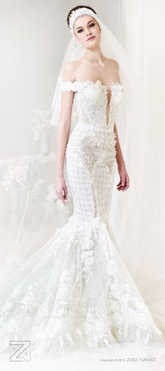 Ziad Nakad Bridal | See Ziad Nakad most gorgeous gowns: http://www.xaazablog.com/ziad-nakad-bridal-couture/ #ziadnakad #bridalfashion #weddinggown
