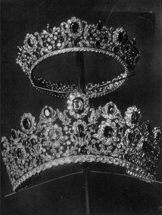 The Tiara and Comb from the Duchess of Angoulême's Ruby Parure, by Pierre-Nicholas Menière Royal Crowns, Royal Tiaras, Tiaras And Crowns, Popular Wedding Dresses, Beautiful Wedding Gowns, Antique Jewelry, Vintage Jewelry, Diamond Crown, Royal Jewelry