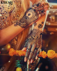 Bridal Henna Designs, Mehandi Designs, Unique Henna, Asian Inspired Wedding, Indian Wedding Makeup, Indian Aesthetic, Bengali Bride, Bridal Gallery, Mehndi Brides