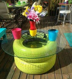 More ideas for old tires! madcapfrenzy's Colorful DIY outdoor deck seating benches makeover with tire table Backyard Projects, Outdoor Projects, Diy Projects, Project Ideas, Deck Seating, Backyard Seating, Outdoor Seating, Outdoor Lounge, Tire Table