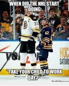 Long Live Hockey: shortest NHL player, Nathan Gerbe v tallest NHL player, Zdeno Chara Funny Hockey Memes, Funny Sports Memes, Hockey Puns, Nba Funny, Nfl Memes, Boston Bruins Hockey, Hockey Mom, Hockey Stuff, Boston Bruins Funny