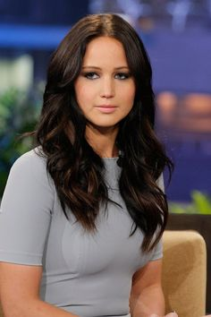 Jennifer Lawrence BROWN HAIR YAAAY!!