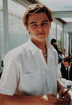 """Let me bless you guys with young Leonardo DiCaprio 🥺🤍"" Bedroom Wall Collage, Photo Wall Collage, Picture Wall, Old Celebrities, Celebs, Beautiful Celebrities, Young Leonardo Dicaprio, Titanic Leonardo Dicaprio, Photocollage"