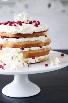 Vaaleanpunaisessa hirsitalossa: Omena-vanilja naked cake #kruoka #pirkka #kakku…