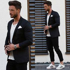 How to Style Adidas Superstar Men. Adidas superstar shoes are the newest and probably a fantastic sneaker trend that is taking all sporty and western fashion by storm for both men and women alike. Adidas Superstar Outfit, Adidas Outfit, Adidas Sneakers, Adidas Hat, Casual Business Look, Stylish Men, Men Casual, Trendy Suits For Men, Urban Fashion