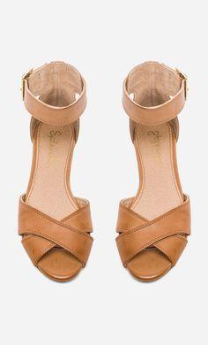 Splendid Atlanta Ankle Strap Sandal in Light Whiskey