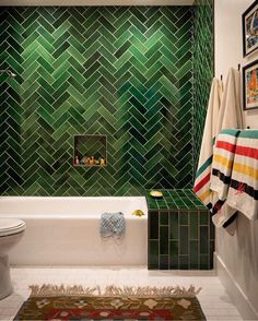 green bathroom Howell redid one of the threeandahalf baths in vivid green Heath Ceramics tile after reconfiguring its awkward dark. Bad Inspiration, Bathroom Inspiration, Heath Ceramics Tile, Bathroom Interior Design, Beautiful Bathrooms, Cheap Home Decor, Green Home Decor, Home Remodeling, Bathroom Remodeling