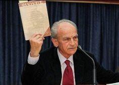 Χρίστος Τσολάκης, ο «δάσκαλος της καρδιάς» Xristos Tsolakis, our Teacher