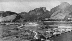 Rio de Janeiro - Brasil - O chamado Portal da Barra, anos 60, com o canal de Marapendi embaixo da foto