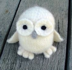 Felted White Owl Amigurumi - no pattern on link sorry