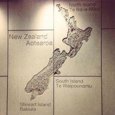 I'm in New Zeland!! Ya estoy en Nueva Zelanda!! #lavueltaalmundosinprisas #aroundtheworldunhurried #lavueltaalmundo #aroundtheworld #viaje #travel #trip #journey #viajero #traveler #auckland #newzeland #nuevazelanda #amigos #friends #mapa #map #antípodas #antipodas #antipodes #aeropuerto #airport