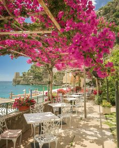 Where to Stay in Positano — Nicole Storey Dream Vacations, Vacation Spots, Oh The Places You'll Go, Places To Travel, Siena Toscana, Amalfi Coast Italy, Sorrento Italy, Italy Italy, Venice Italy