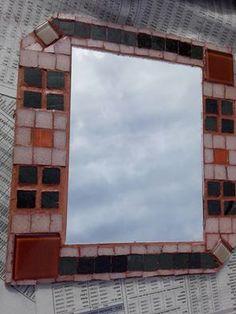 Espejo cuadrado. mosaico