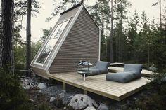 architecture minimaliste et une jolie maison en forme de triangle