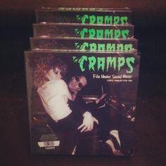 CRAMPS! CRAMPS! CRAMPS!