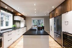 Cuisines Cartier - Armoire cuisine - Rénovation cuisine - Designer intérieur - Cuisiniste montréal Kitchen Reno, Kitchen Remodel, Kitchen Design, Small Kitchen Storage, Cuisines Design, Sweet Home, Interior Design, Storage Ideas, Kitchens