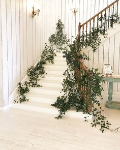 We love decorating these stairs at The White Sparrow Barn outside Dallas. White barns with greenery staircase designs are stunning. Wedding Staircase Decoration, Wedding Stairs, Staircase Railings, Staircase Design, Stairways, Wedding Reception Flowers, Wedding Flower Decorations, Boho Wedding, White Sparrow Barn