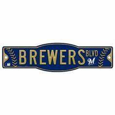 Milwaukee Brewers Sign