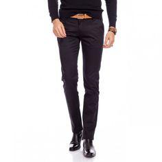 Pantalonii barbatesti pentru sezonul rece trebuie sa fie si caldurosi, insa acest lucru nu inseamna ca Divertisment