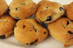 Ελιοπιτάκια – ΟΛΑ ΝΗΣΤΙΣΙΜΑ Bread Recipes, Cooking Recipes, Bagel, Muffin, Food And Drink, Snacks, Cookies, Baking, Breakfast