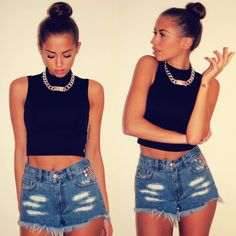 Concert Fashion Look Passion For Fashion, Love Fashion, Fashion Looks, Fashion Outfits, Womens Fashion, Crop Top And High Waisted Shorts, High Wasted Shorts, Only Shorts, Summer Outfits