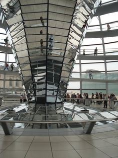 Fotografía: Karla Gonzalez  Ciudad: Berlín - Reichstag Bratislava, Houses Of Parliament, Budapest, Louvre, Building, Places, Salzburg, Medieval Town, Prague