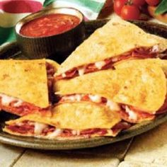 Pizzadilla -- Weight Watchers Pizzadilla - will have to click a link to get to the original recipe and directions, but I pinned this one for the silly ingredient accidentally listed Skinny Recipes, Ww Recipes, Light Recipes, Cooking Recipes, Free Recipes, Dinner Recipes, Lunch Recipes, Healthy Cooking, Healthy Snacks