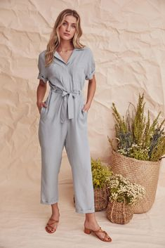 Women's jumpsuits, boilersuits and pantsuits are always on trend! Find the perfect wome's one piece at ASTR The Label. Formal Jumpsuit, Casual Jumpsuit, Denim Jumpsuit, Jumpsuit Outfit, Summer Outfits, Casual Outfits, Cute Outfits, Fashion Outfits, Work Outfits