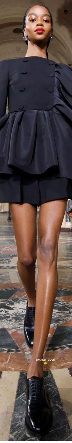 Carolina Herrera Spring 2021 RTW #SparklyGold ❀ Carolina Herrera, Evening Gowns, Leather Skirt, Dress Up, Mini Skirts, Spring, Jackets, Fashion Trends, Color