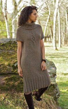 Платье реглан спицами сверху.