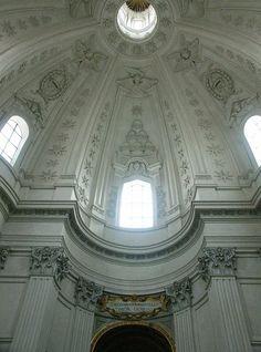Sant'Ivo alla Sapienza - Borromini    © 2006 Mary Ann Sullivan