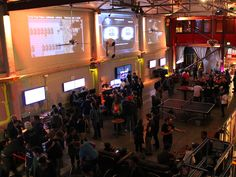 """A Geek's Paradise"": Welcome to a Bar Where Videogames Are Cool"