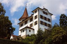 Schloss Schauensee - Vermietung - Eventlocation in Kriens Kirchen, Storage Ideas, Medieval, Germany, Mansions, House Styles, Beautiful, Home Decor, Castles