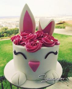 So much cuteness in this cake bunny cake  #bunnyparty #cakeideas