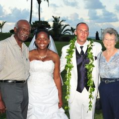 Lovely Couple, Aaron and LonQuethia's Wedding Day Photo!