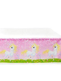 Mantel de plástico unicornio girly 130x180 cm: Este mantel de plástico es de color rosa con unicornios.El mantel mide alrededor de 130x180 cm.Completa la decoración unicornio de cumpleaños con este mantel.