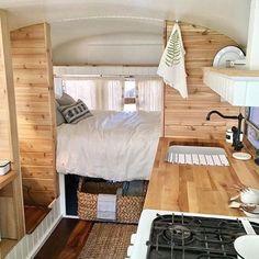 Smart Ways Camper Makeover Travel Trailer Remodel Ideas - Sinergy Ideas Van Living, Tiny House Living, Travel Trailer Remodel, Travel Trailers, Caravan Renovation, Van Home, Bus House, Camper Makeover, Remodeled Campers