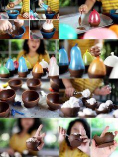Preparando a sobremesa. Assim que se faz! Acreditamos que o efeito colateral será de muitos sorrisos.O chocolate apresenta alguns efeitos positivos para a saúde. O cacau em pó ou o chocolate amargo, por exemplo, são benéficos para o sistema circulatório e estimulantes cerebrais.