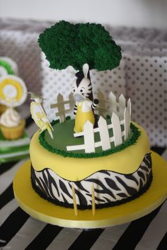 Cake at a Zebra Party #zebra #partycake