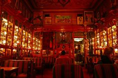Antique soldiers, war memorabilia and bizarre nicknacks line the bodega's original cabinets that were once used to display fine spices, coffee and teas. If there's one place for us hunters of the off-beat to discover in the Portuguese city of Lisbon, this is probably it. Step inside the Pavilhão Chines
